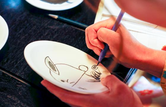 伝統工芸品 出石焼の絵付け体験