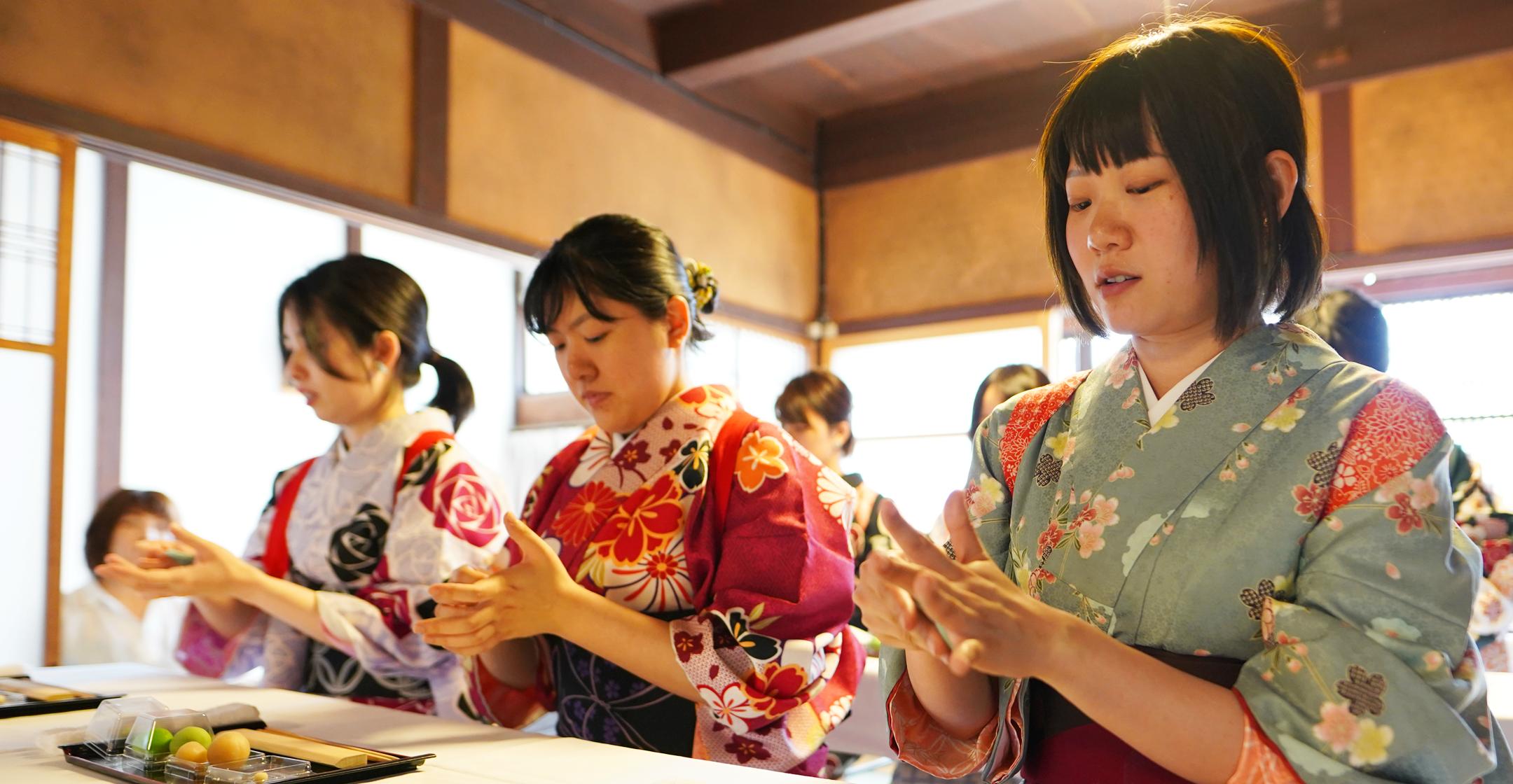 町家の旅籠 西田屋にて和菓子作り体験